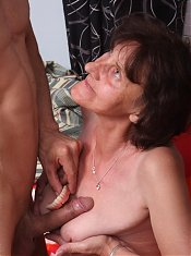 Experienced Stephanie warms up a cock with her mouth and gets screwed by riding on top live