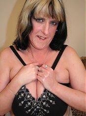 Big breasted kinky mature slut makes us all wild